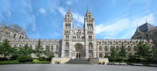 O belo prédio do Natural History Museum. Foto: Wikimedia Commons autor Stephantom