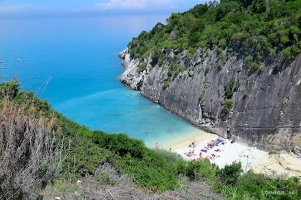 Xygia Bay ou Xygia Sulphur Beach.